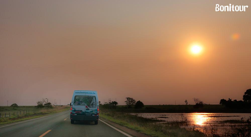 van-ao-por-do-sol