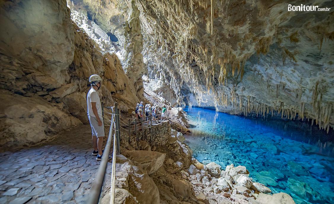 melhores_passeios_em_bonito_gruta_do_lago_azul