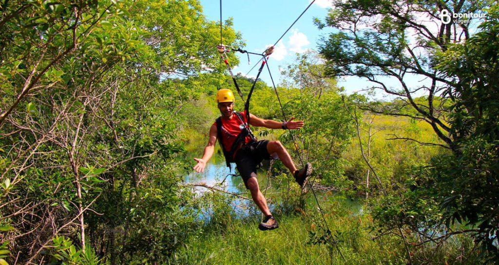 [Destaque 06] Tirolesa do Parque Ecológico do Rio Formoso em Bonito MS
