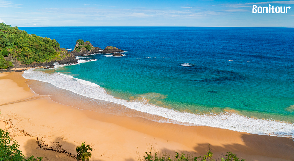 Praia-do-Sancho-em-Fernando-de-Noronha-PE