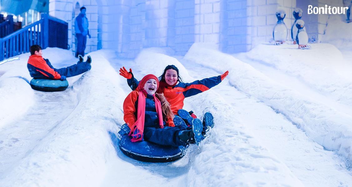 Crianças-se-divertindo-no-Parque-Snowland