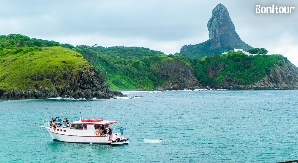 Passeio-de-barco-no-Ilha-Tour
