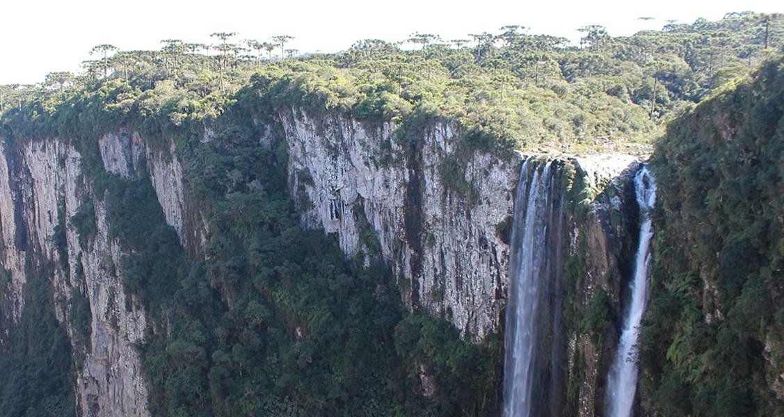 Cachoeira-Véu-de-Noiva
