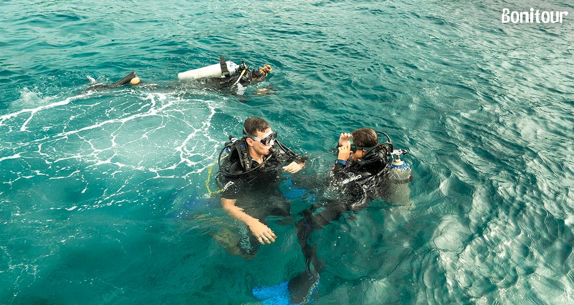 Mergulho-de-batismo-em-Fernando-de-Noronha