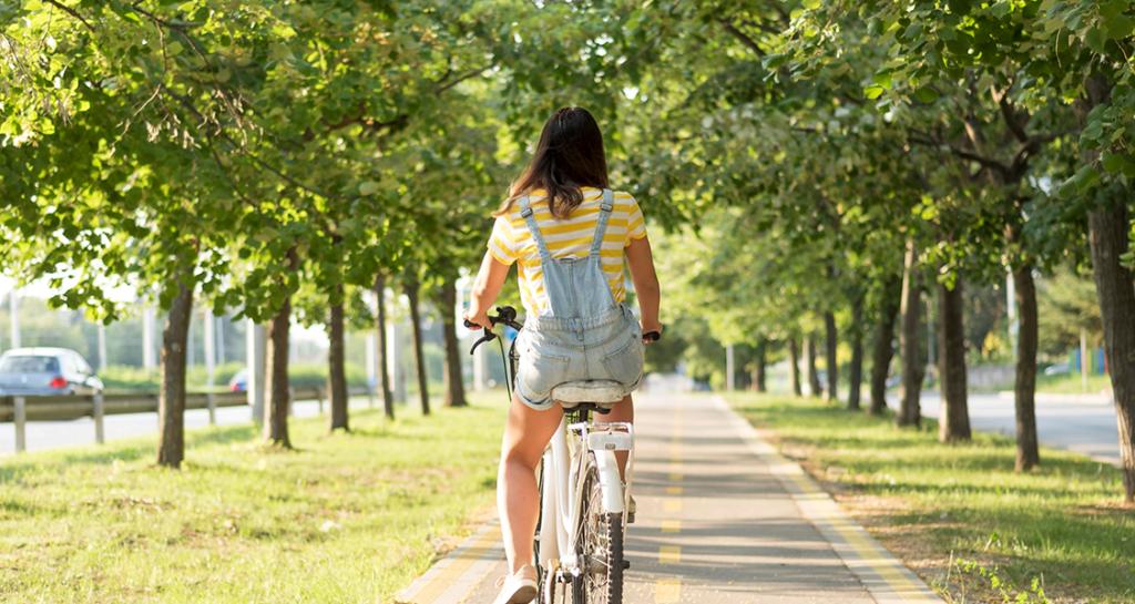 Pessoa-andando-de-bicicleta