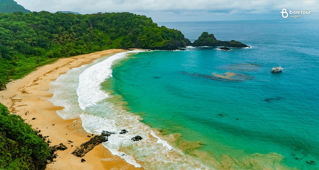 Praia do Sancho - Uma das praias mais lindas do mundo